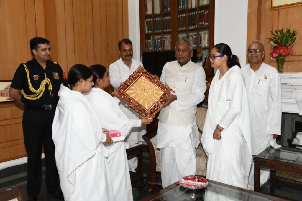 Patna - Rakhi Tying to H.E. Fagu Chauhan, the Governor of Bihar